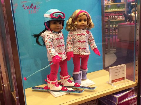 american-girl-hit-the-slope-outfit-skies-helmet-set
