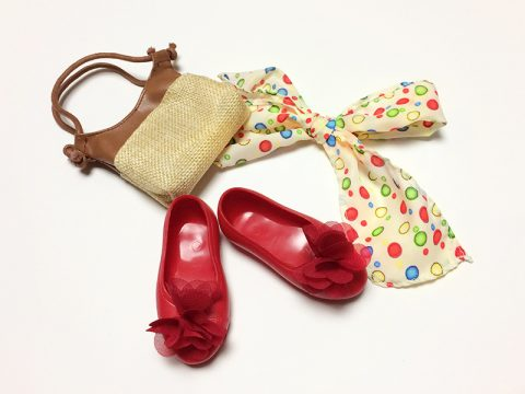fashion-accessory-set-polka-dot-head-scarf-and-red-flats