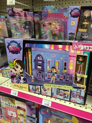 toys-r-us-littlest-pet-shop-blythe-bedroom-set