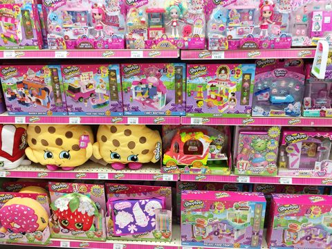 toys-r-us-shopkins-display