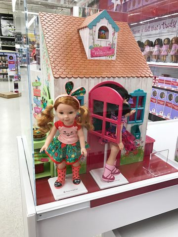 ag-welliewishers-display-at-toys-r-us
