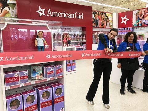 american-girl-toys-r-us-opening-ribbon-cutting