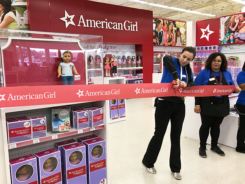 Girl Toys At Toys R Us : American girl truly me and welliewishers grand opening