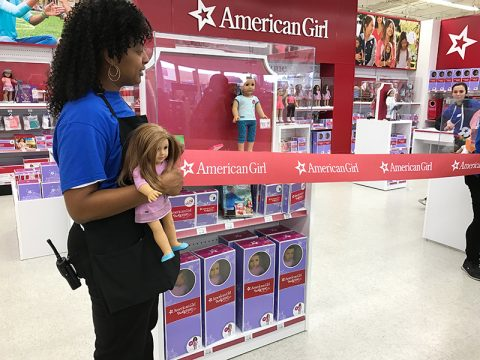toys-r-us-american-girl-opening-even-ribbon-cutting