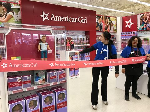 toys-r-us-american-girl-opening-even-ribbon-cutting-ceremony