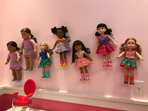 ag-cafe-doll-hairdo-room