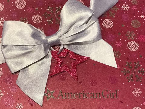 american-girl-holiday-gift-box