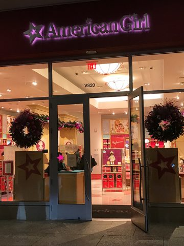 american-girl-store-berry-status-event