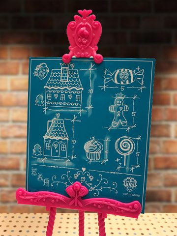 ever-after-high-sugar-coated-class-candy-decorated-easel