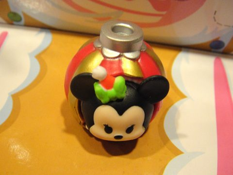 disney-tsum-tsum-advent-calendar-minnie-in-ornament