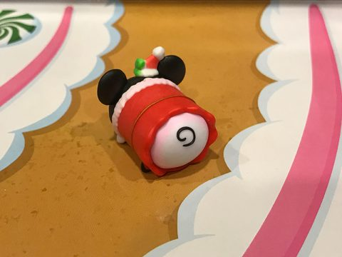 tsum-tsum-advent-calendar-2016-day-1-santa-minnie-toy